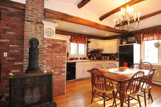 Clinton, CT : Kitchen