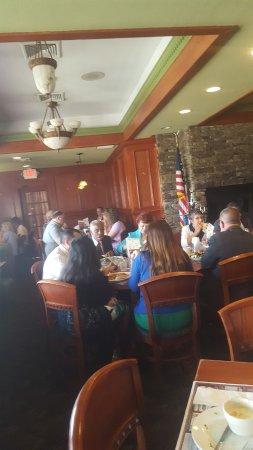 Clinton, NJ: dining room