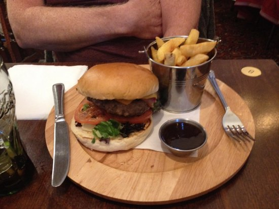 Rhu, UK: Cheese & Bacon Burger