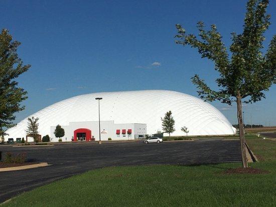 เพกิน, อิลลินอยส์: Avanti's Dome