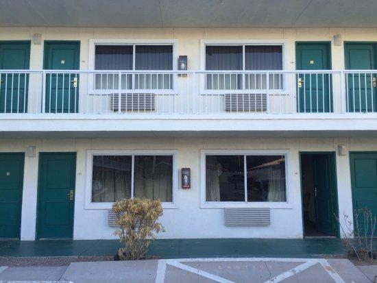 Desert Mirage Inn and Suites: photo1.jpg