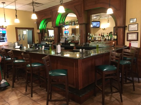 Pekin, IL: The bar at Avanti
