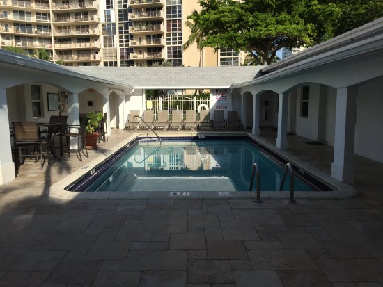 The Hotel Deauville: Pool deck area