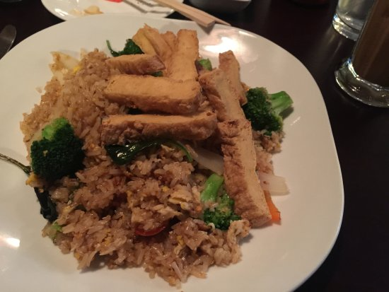 Thai Smile: Basil friend rice with fried tofu