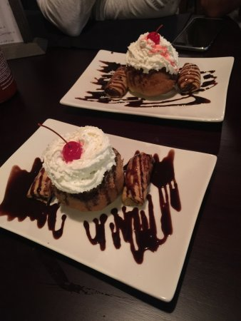 Thai Smile : Fried ice cream and fried banana