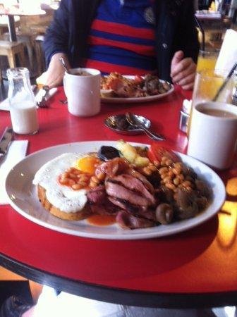 Smiths of Smithfield : Historic breakfast!