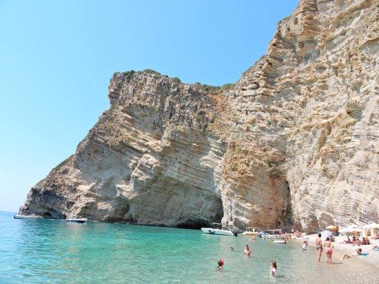 Grotto Boat Tour: Paradise beach
