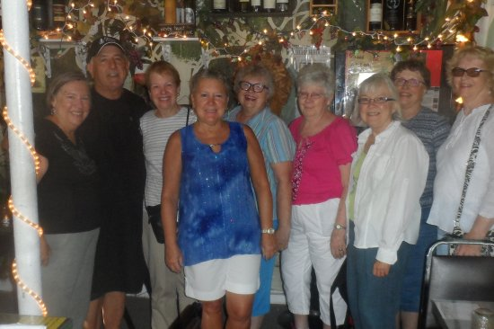 Piero's Pasta House: Our group of gals had a wonderful pasta meal at Piero's!