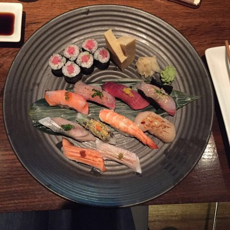 Sake Restaurant & Bar: Sushi set