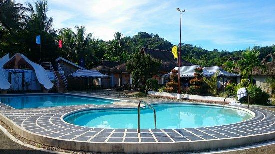 Bariw Mountain Resort: Night Swimming!! <3