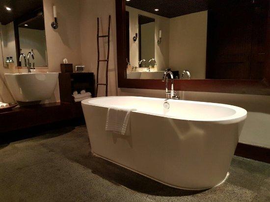 Abaca Boutique Resort: 20160910_233313_large.jpg