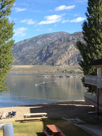 Poplars Motel On The Lake: photo1.jpg