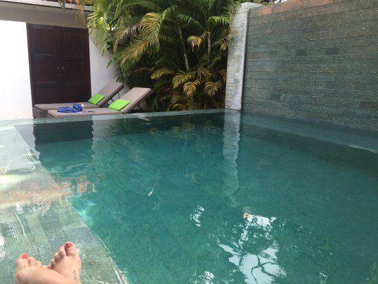 Villa Coco: Our amazing waterfall pool