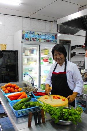 Lipa Noi, Thailand: Kitchen Staff