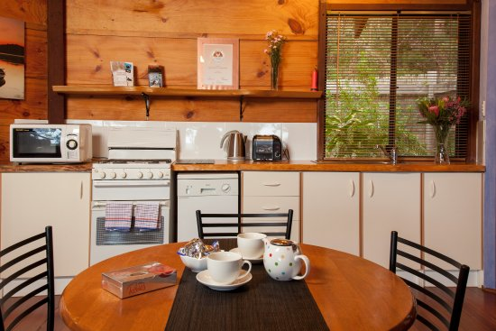 Denmark, Australia: Pelicans Cottage Kitchen
