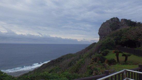 Okinawa Peace Memorial Park : 海に面している