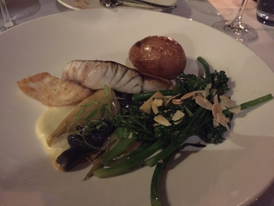 Chateau Yering Hotel: Dinner at Eleonore's Restaurant
