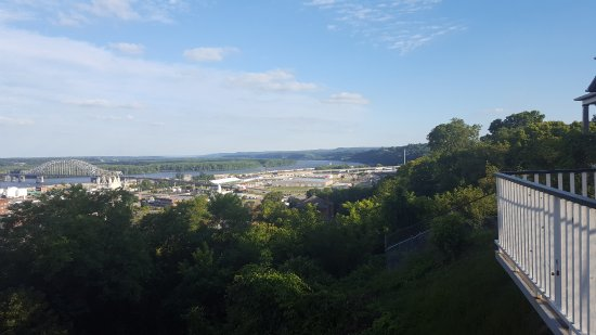 View of Dubuque from Fenelon Place Elevator Co. deck