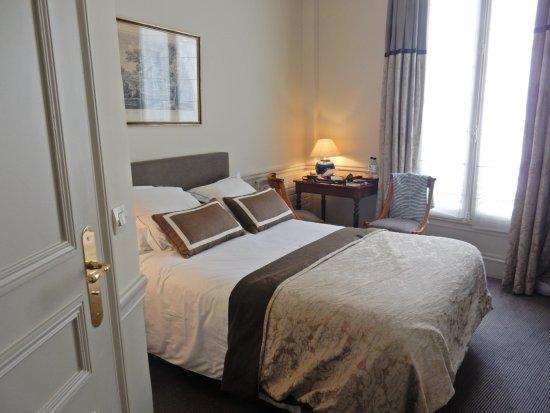 Hotel Mansart: Classic Cozy Room