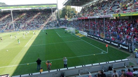 Schwarzwald-Stadion: IMG_20160910_145612_large.jpg