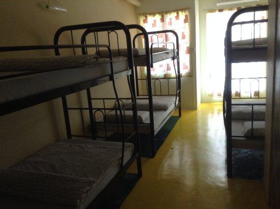 Sandakan Backpackers Hostel: Dorm Beds