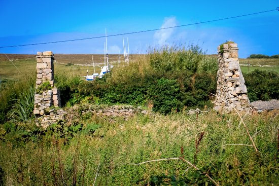 Belmullet, Irland: Ruin close to lighthouse