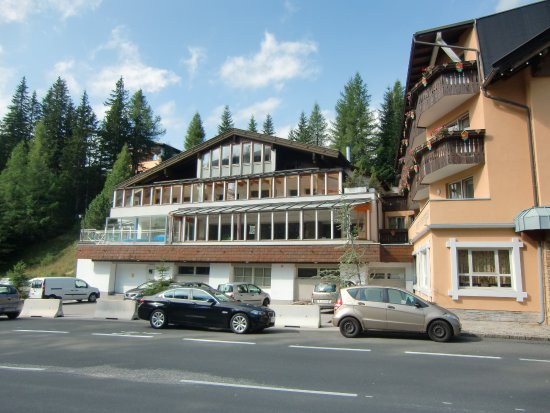 Rennweg, Österrike: linker Teil mit Spa-Bereich
