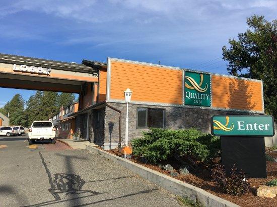 Merritt, Kanada: driving in to the hotel entrance