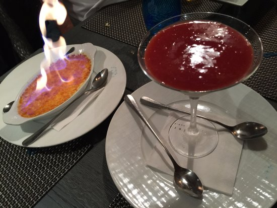Le Bar à Huîtres Place des Vosges  : クレームブリュレとパンナコッタ 9ユーロ