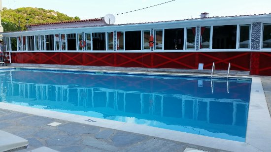Roulla Apartments Bar And Pool