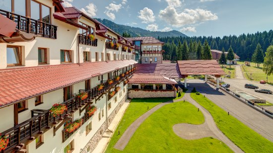 Ana Hotels Sport Poiana Brasov: view from superior room