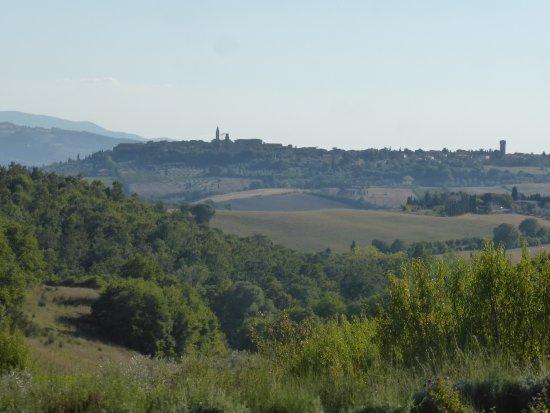 Tenuta Santo Pietro: View to Pienza