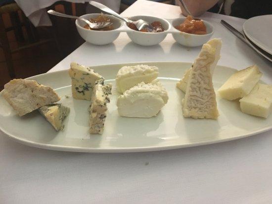 Soci, Italia: Selezione di formaggi