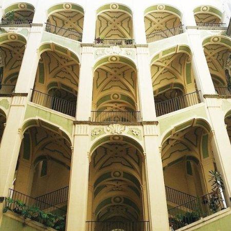 Palazzo dello spagnuolo naples foto di palazzo dello for Palazzo in stile spagnolo