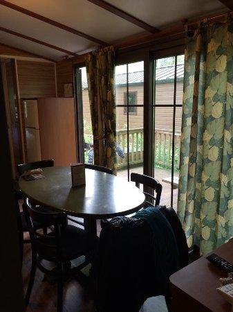 La petite salle à manger :) - Photo de Disney\'s Davy Crockett Ranch ...