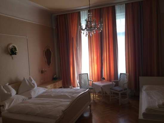 Hotel-Pension Baronesse: Our Triple room