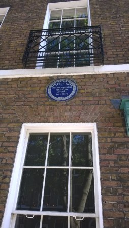 The Charles Dickens Museum: The Dickens Blue Plaque