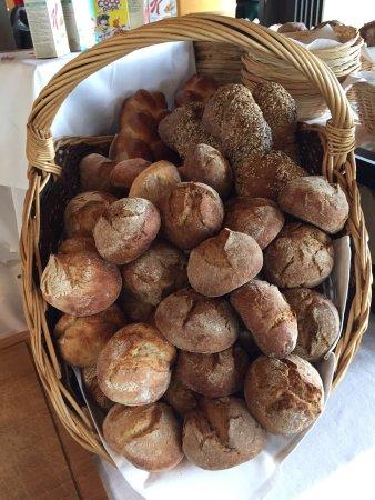 Dallenwil, Schweiz: Alpen z'Morgen Brunch im Alpenrestaurant Wirzweli