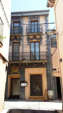 Tortella, สเปน: Vista exterior - Hostal de l'Alta Garrotxa (Tortellà - Girona)