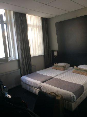 Hotel De Looier: pokój 2 osobowy ale przystawka się zmieści