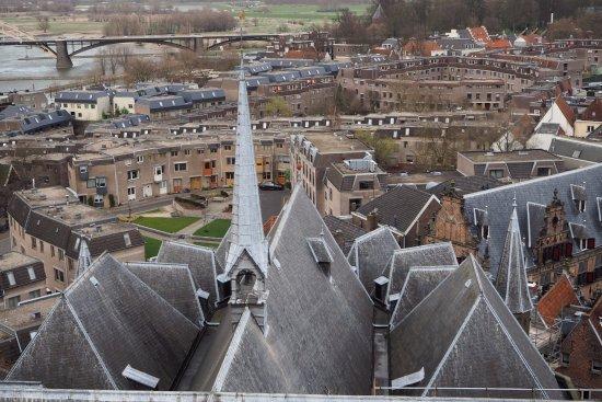 Nijmegen vanaf de St. Stevenskerk
