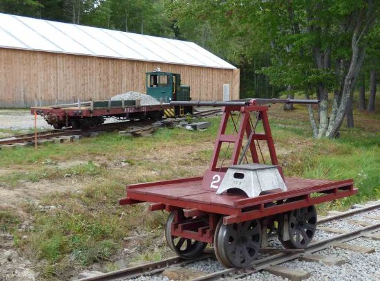 Alna, ME: WW&F Handcar and Diesel Engine