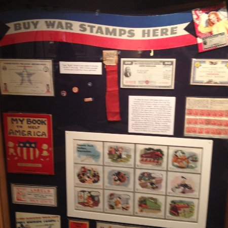Wolfeboro, Nueva Hampshire: War Stamp Display