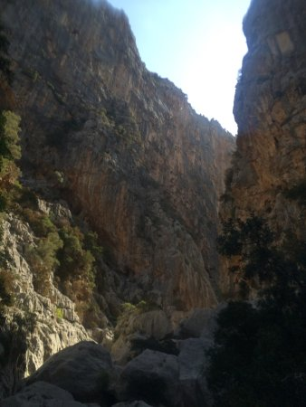 Sa Calobra, Spain: 300 metre cliffs