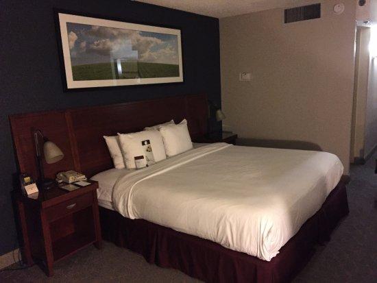 Irving, Teksas: 空港ホテルでは十分な客室