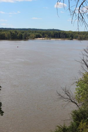Savanna (og omegn), IL: View upstream of the Mississippi, from observation deck when river is high