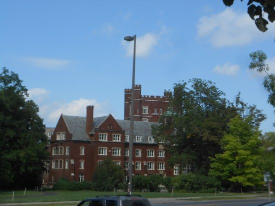 BEST WESTERN PLUS Finger Lakes Inn & Suites: Cornell buildings were amazing.