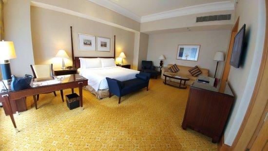 The Ritz-Carlton Jakarta, Mega Kuningan: 20160911_152707_large.jpg