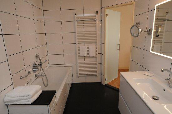 Suite badkamer Hotel De Gulden Waagen - Foto van Hotel De Gulden ...