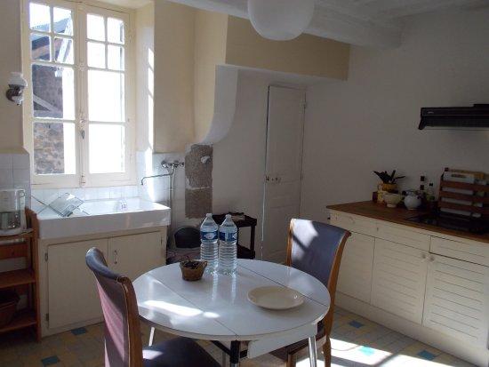 Marigny-l'Eglise, France : Kitchen